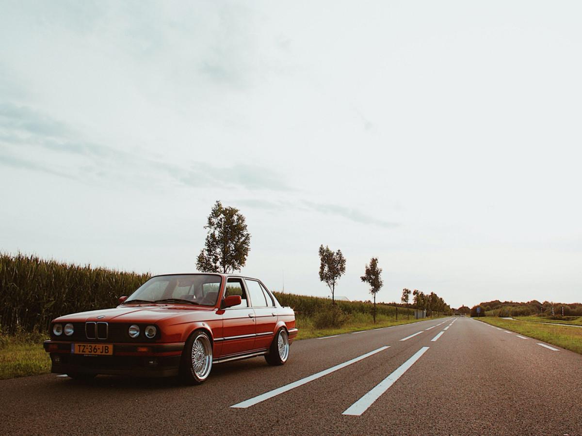 Про название BMW и его историю.